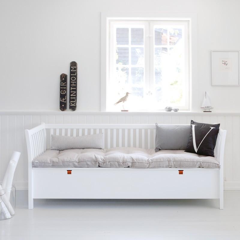 Oliver Furniture Kökssoffa / stor vit slagbänk 194cm
