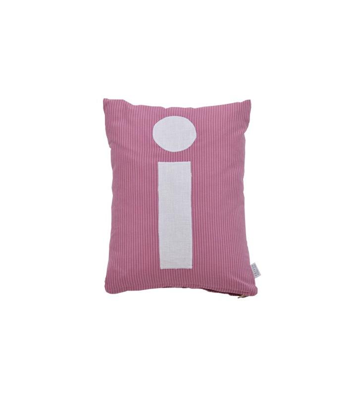 Bokstavskudde- rosa i Oliver Furniture