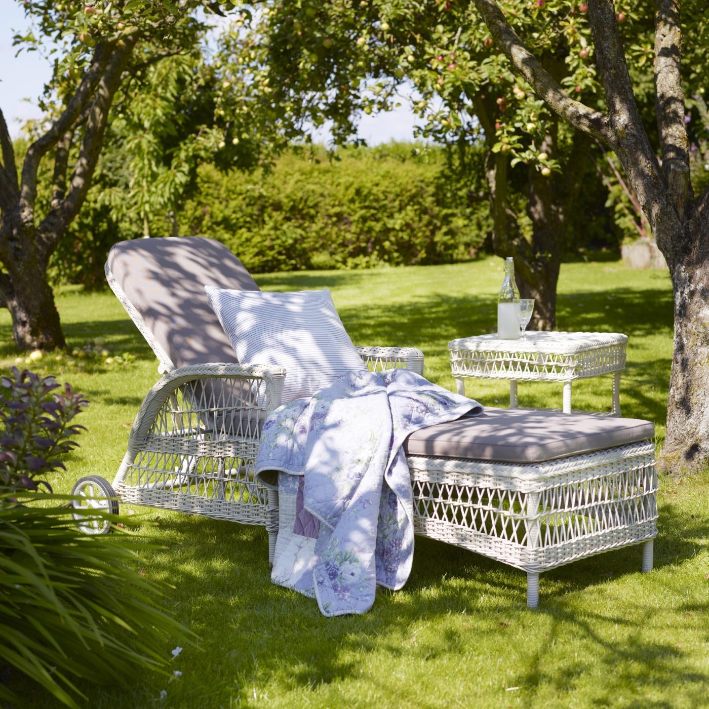 Dagbädd Daisy sunbed Vintage white, Sika design