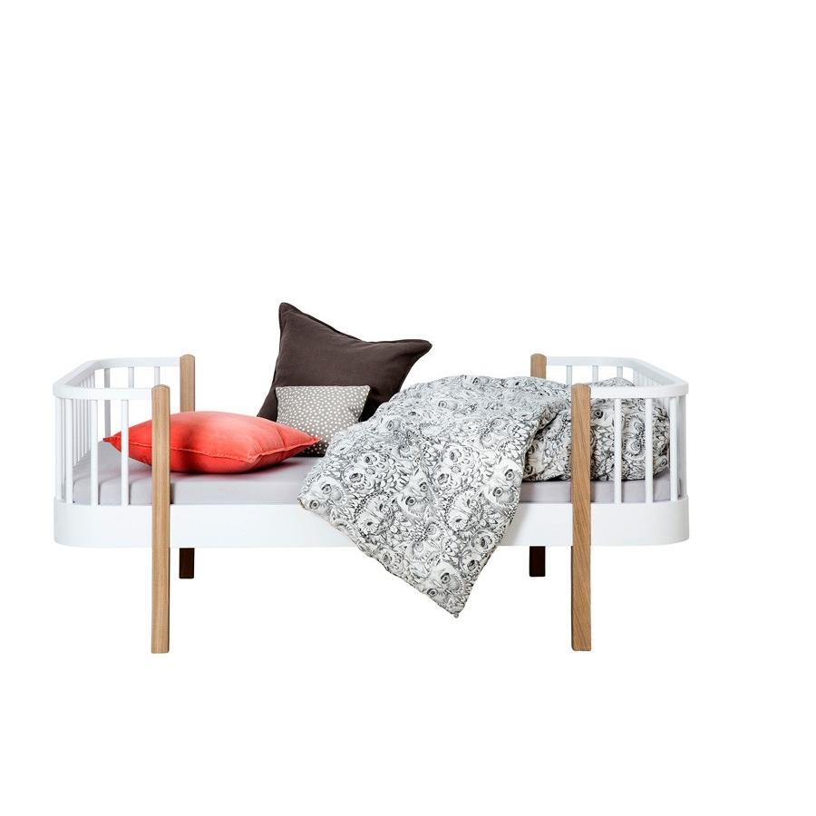 Juniorsäng Wood Collection vit/ ek Oliver Furniture