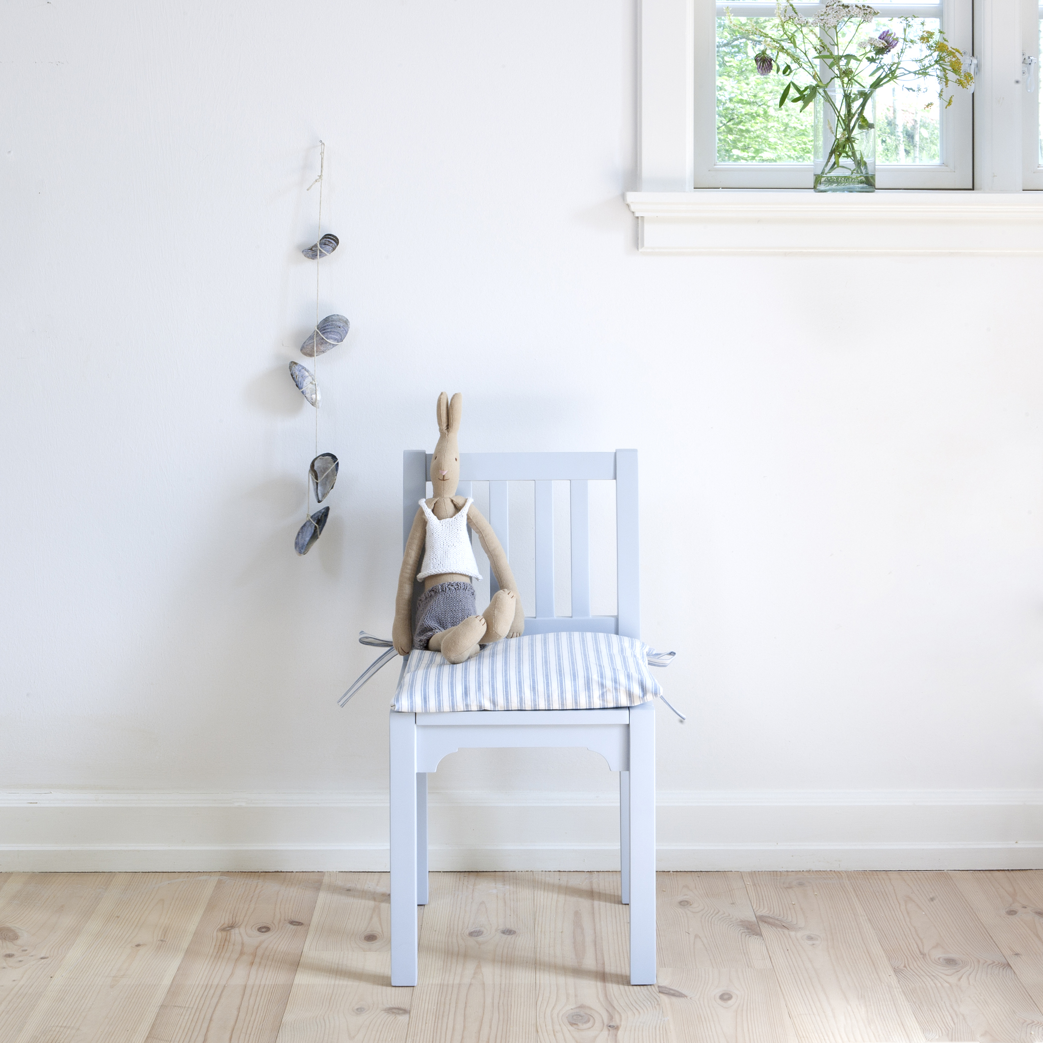 Oliver Furniture Barnstol tremmestol-grå
