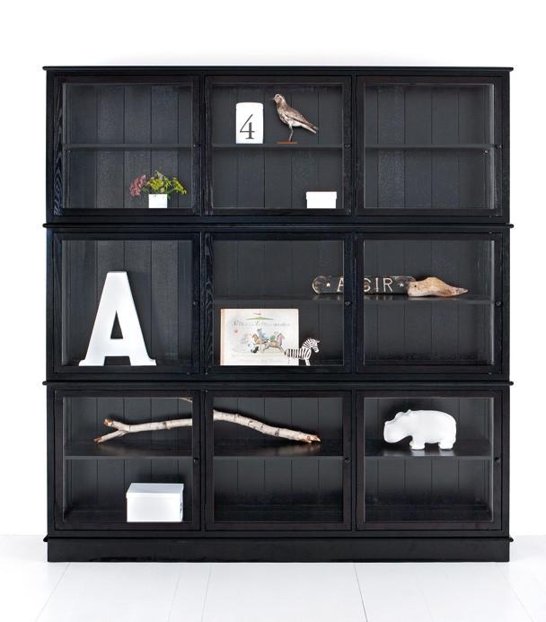 Vitrinskåp tre sektioner svart, Oliver Furniture