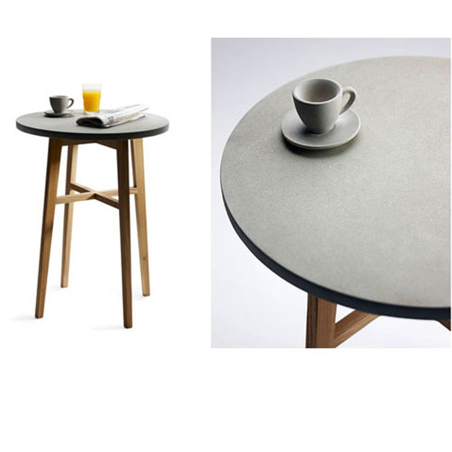 Cafébord Java betongskiva med underrede i alm, Tove Adman
