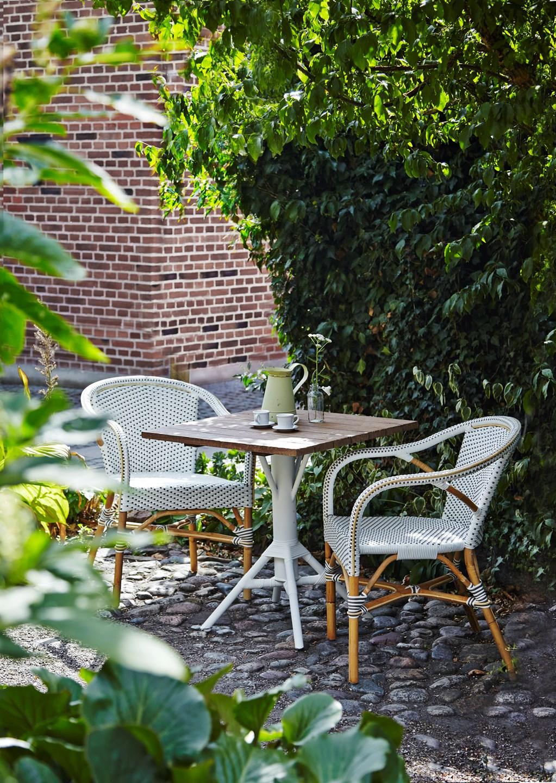 Madeleine café armchair cappuccino, Sika-design